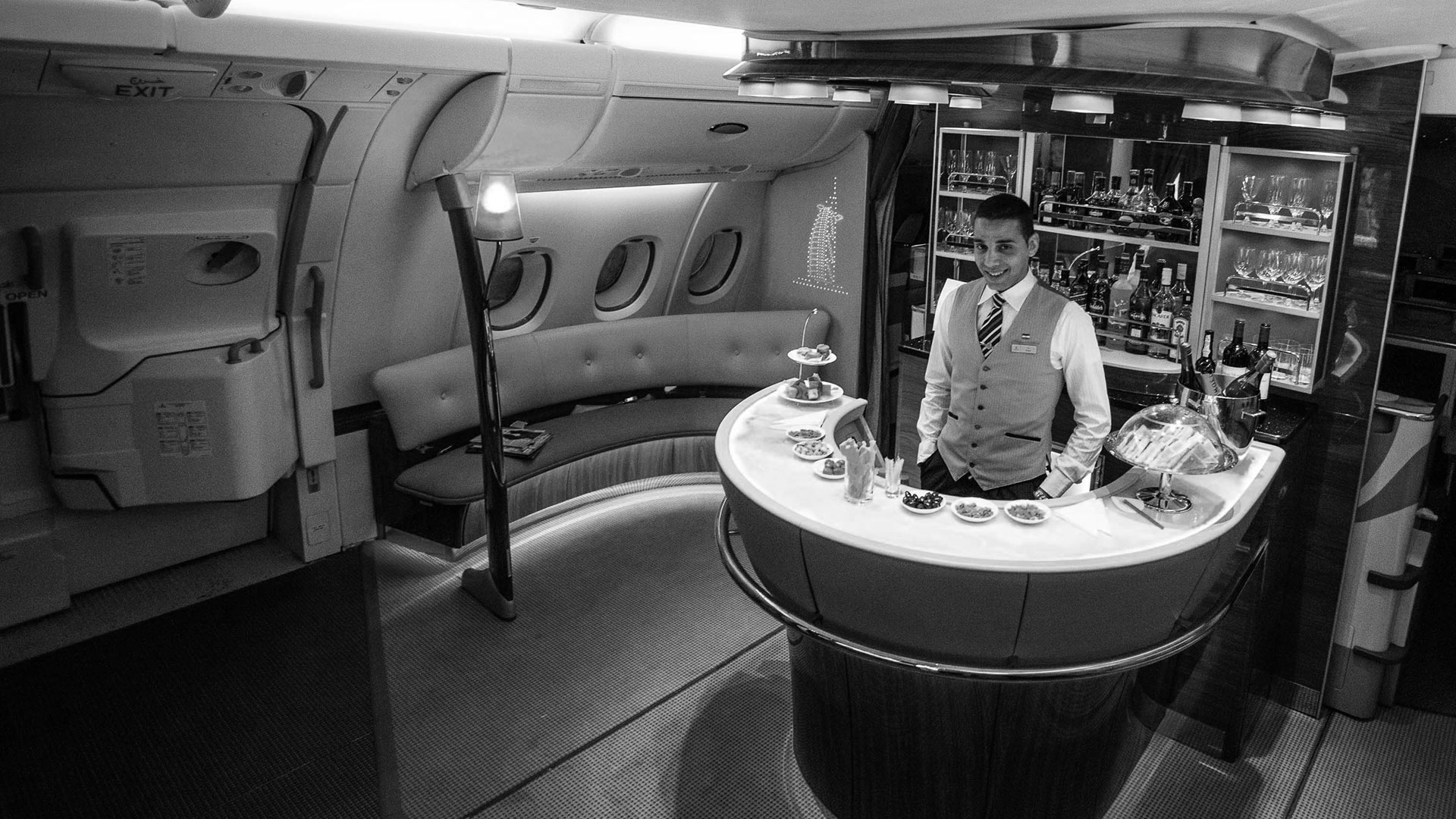 Airbus_A380_businessclass_bar