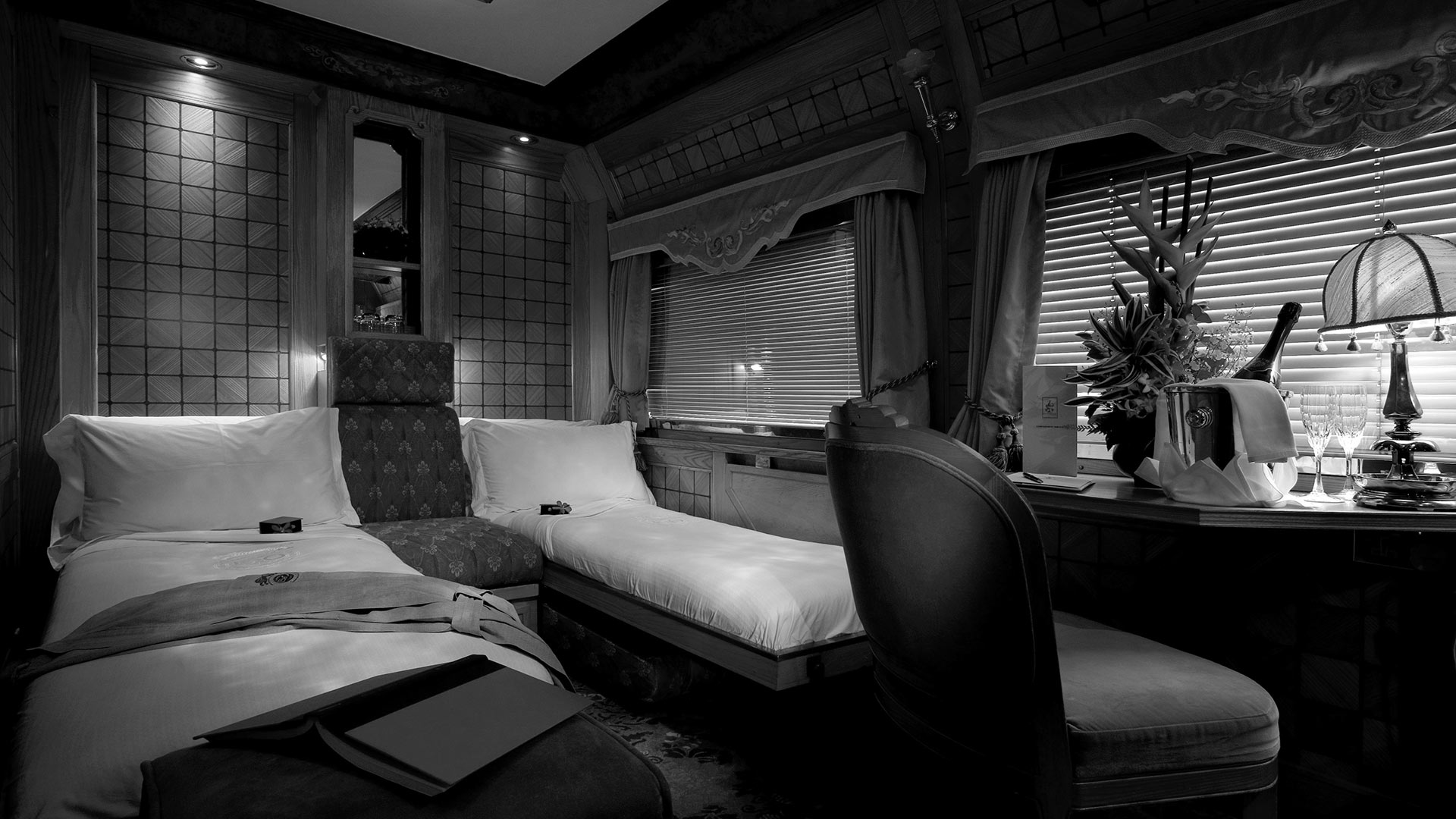 luxury_train_twin_cabin
